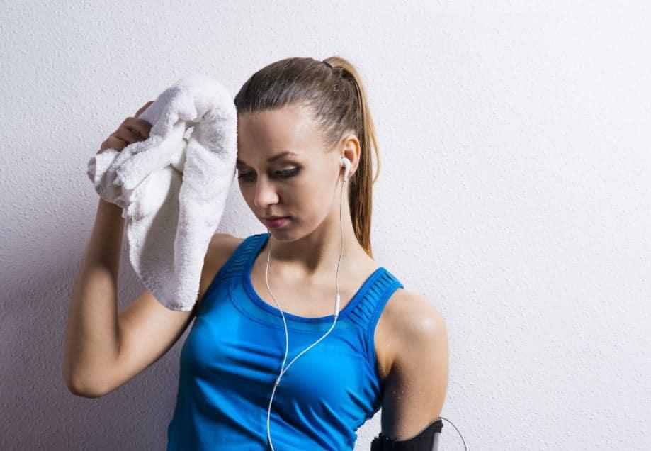 Foliculite: O suor excessivo na academia pode causar foliculite? 1